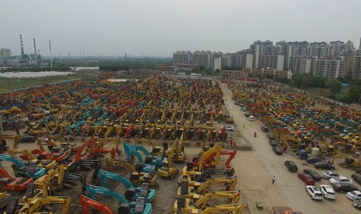 上海二手挖掘机市场