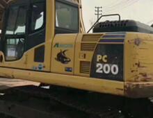 二手小松PC200-8挖掘機